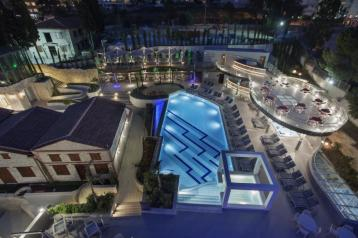 Хотел Double Tree by Hilton Kusadasi